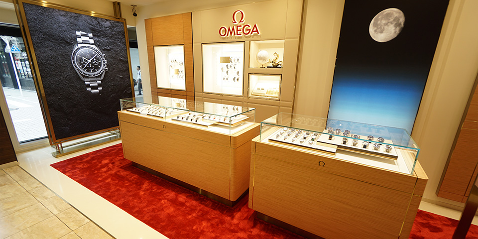 BEST新宿本店1F OMEGA リニューアルコーナー写真
